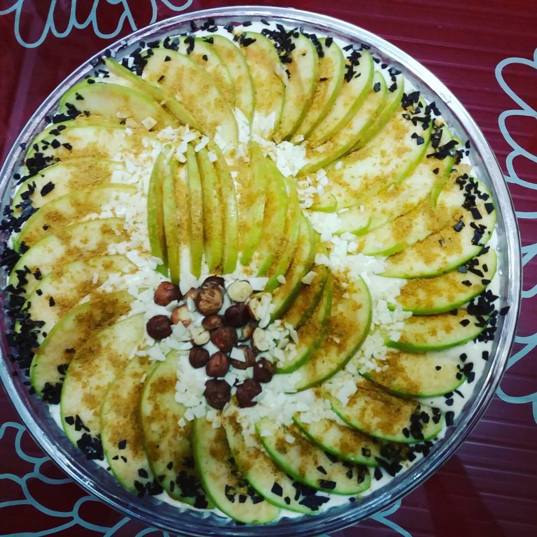 Ооооочень вкусный фруктовый пирог.