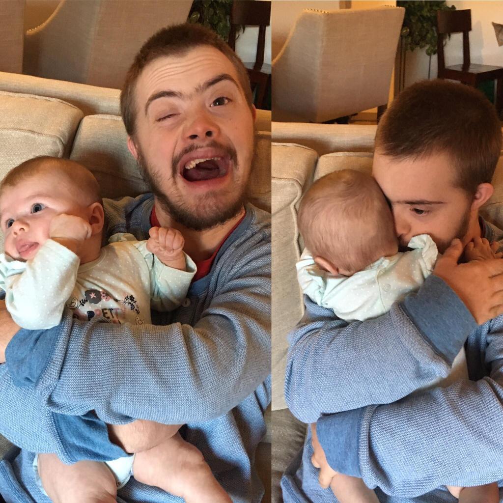 Это фото «солнечного парня» с ребенком стало вирусным, и вот почему