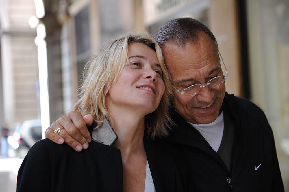 80-летний Кончаловский и 44-летняя Высоцкая демонстрируют романтику на отдыхе — фото