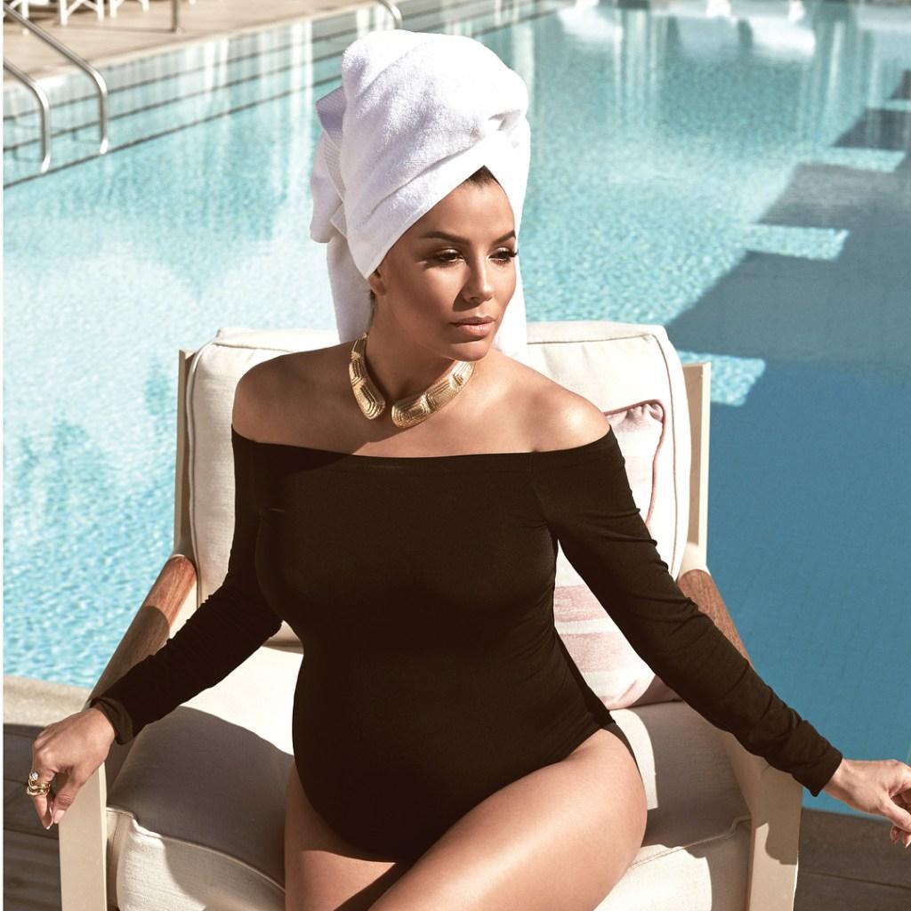 Ева Лонгория на обложке журнала на последнем месяце беременности — фото