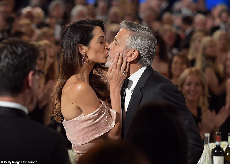 Амаль Клуни удивила трогательным признанием своему мужу — фото