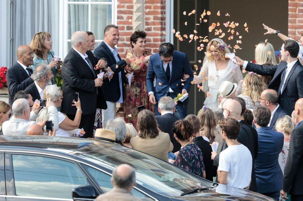 СВЕТСКАЯ ХРОНИКА Бывшая жена Джонни Деппа Ванесса Паради вышла замуж — фото