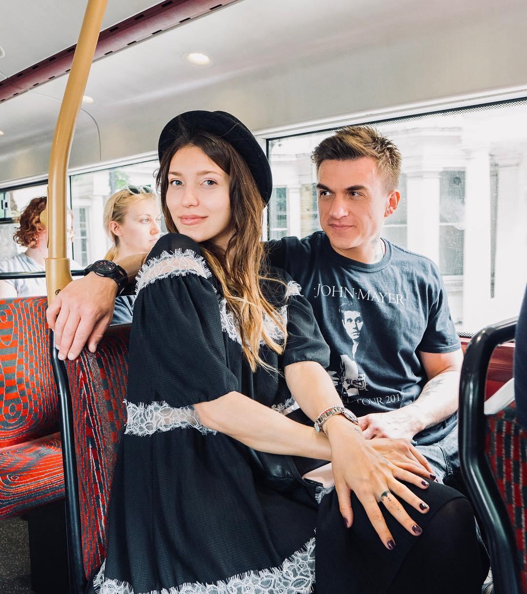 Тодоренко впервые вышла в свет с Топаловым и с трудом скрывала беременность — фото