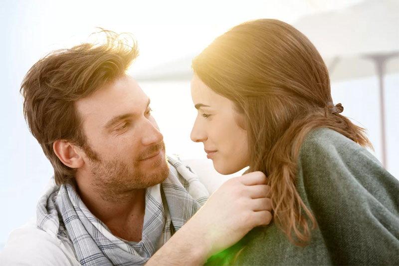 10 фраз, которые говорит мужчина, когда ты ему нравишься