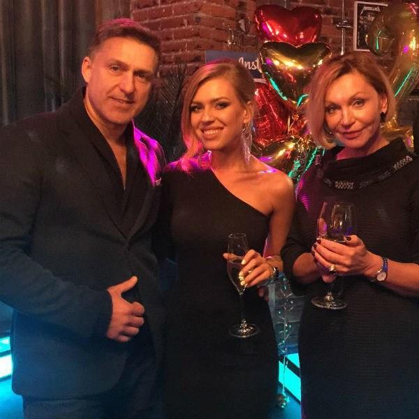 Уже который день в сети обсуждают неожиданный развод Риты Дакоты и Влада Соколовского после того, как певица сообщила о многочисленных изменах мужа