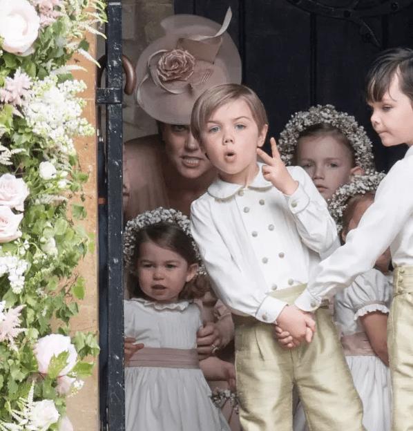 8 раз, когда Кейт Миддлтон тоже использовала голос Бэтмена на своих королевских детей — фото