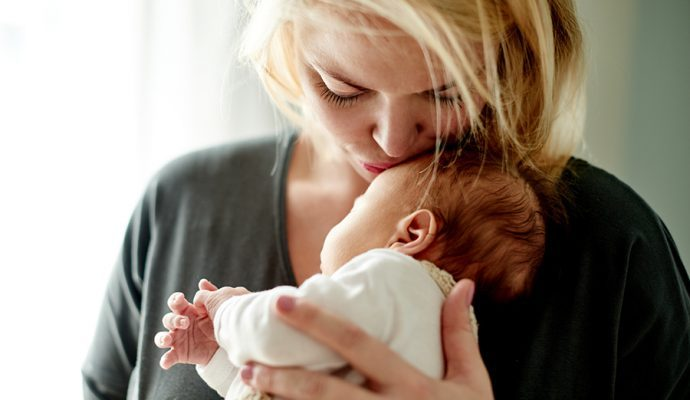 Быть мамой в более зрелом возрасте сулит преимущества как родителям, так и детям