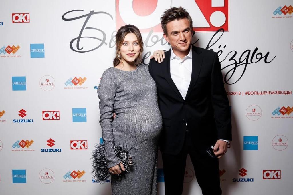 Тодоренко и Топалов стали «Парой года» за неделю до рождения первенца — фото